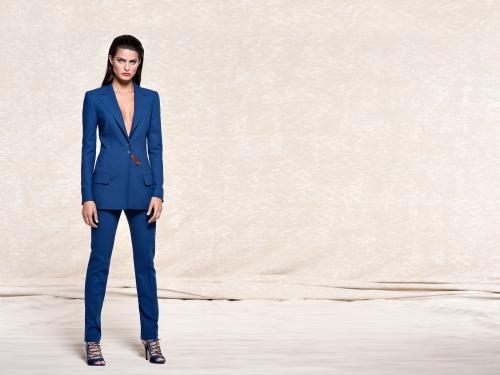 Isabeli Fontana - Лицо рекламной компании Escada Весна-Лето 2011 (23 картинки)
