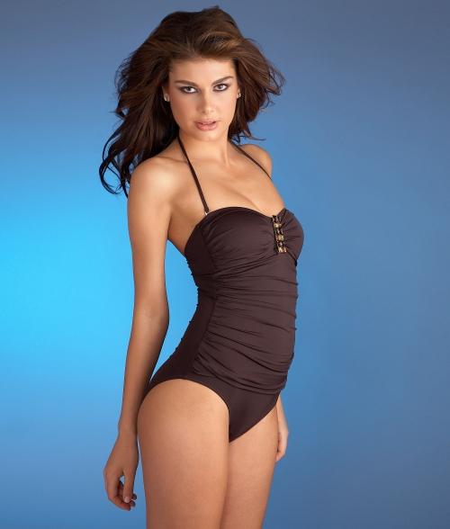 Angela Martini - La blanca swimwear (25 картинок)