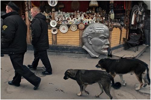 Фотожурналист Сергей Максимишин. Ленин сегодня (24 картинок)