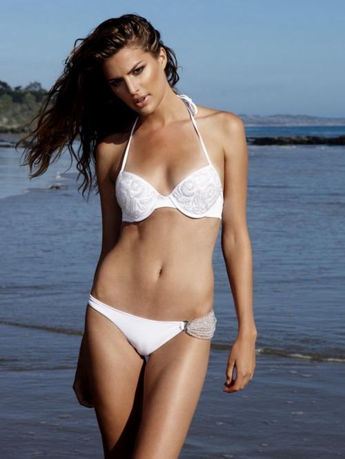 Cameron Russell / Beach Bunny Swimwear 2011 (32 картинок)