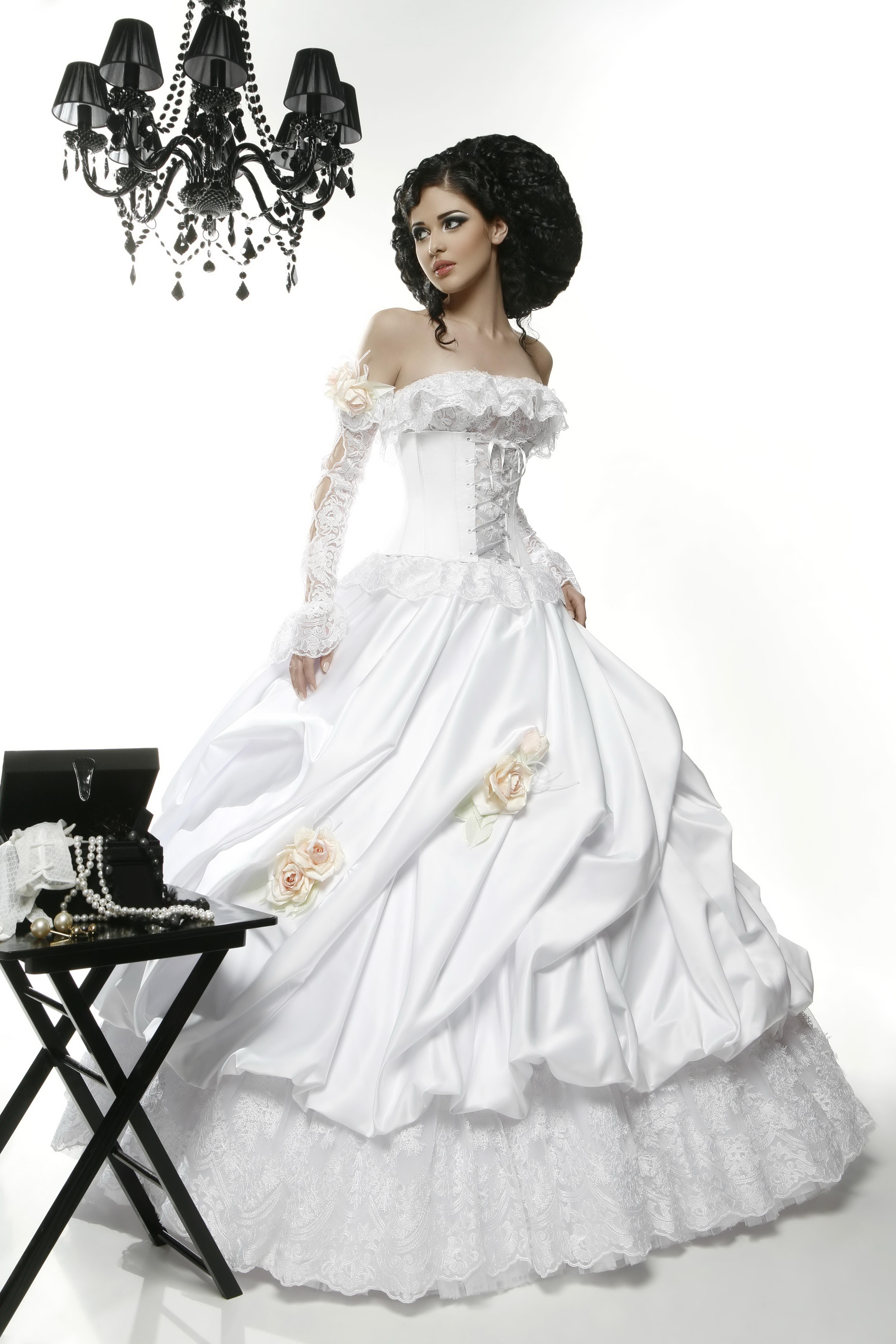 прическа для подружки невесты на свадьбу