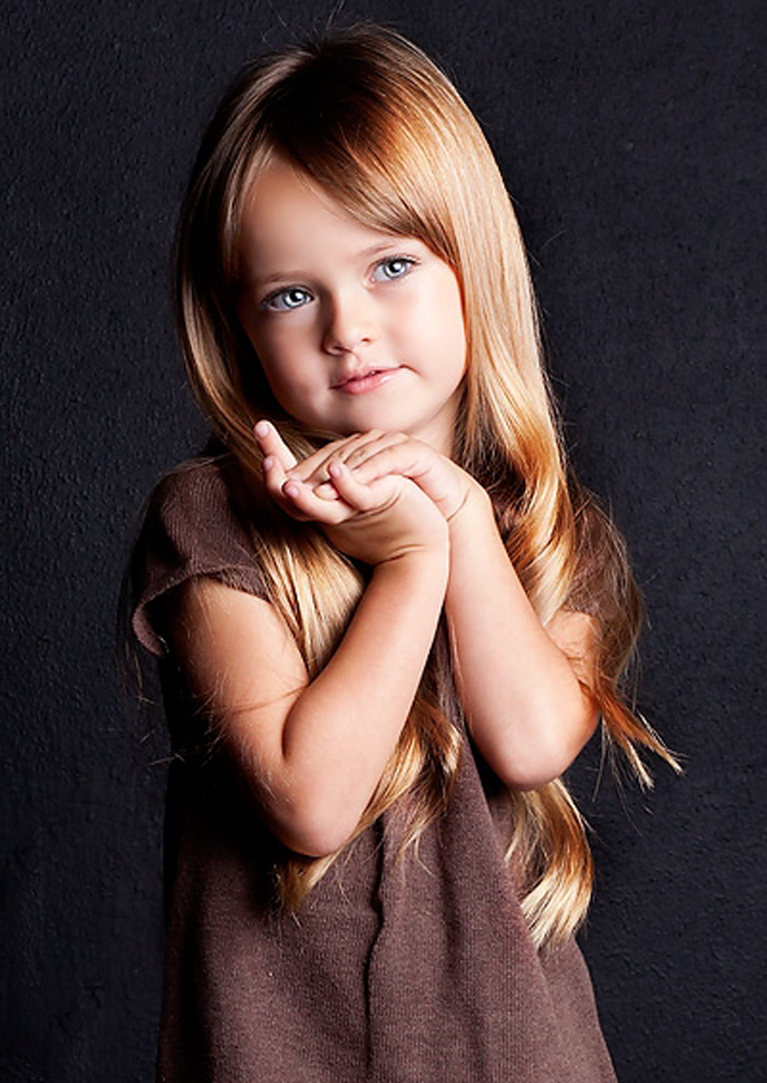 Очерущий взгляд красифой бландинки фото фото 800-112