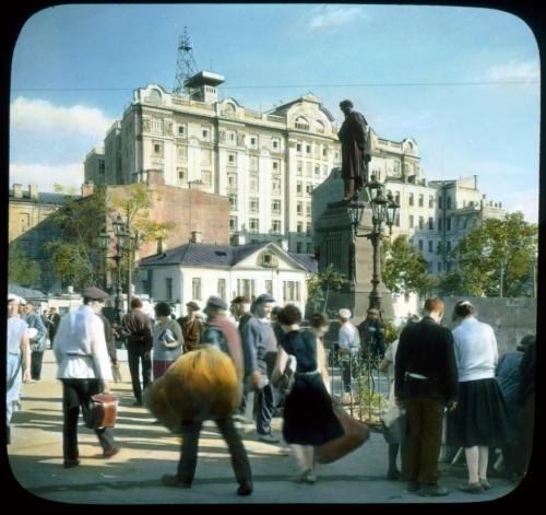 Москва 1931 года в цвете (61 работ)