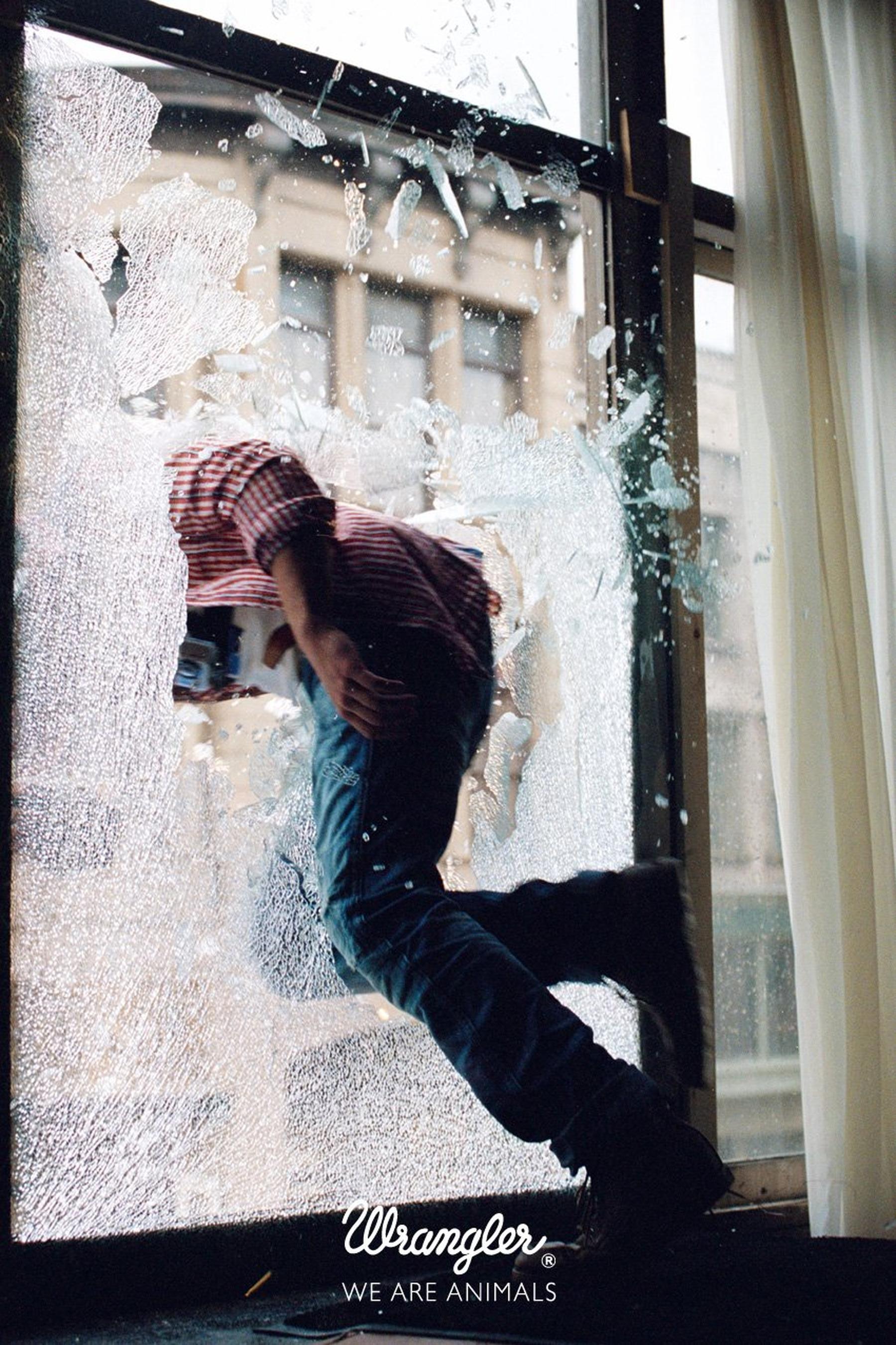 Самоубитца на улице 25 фотография