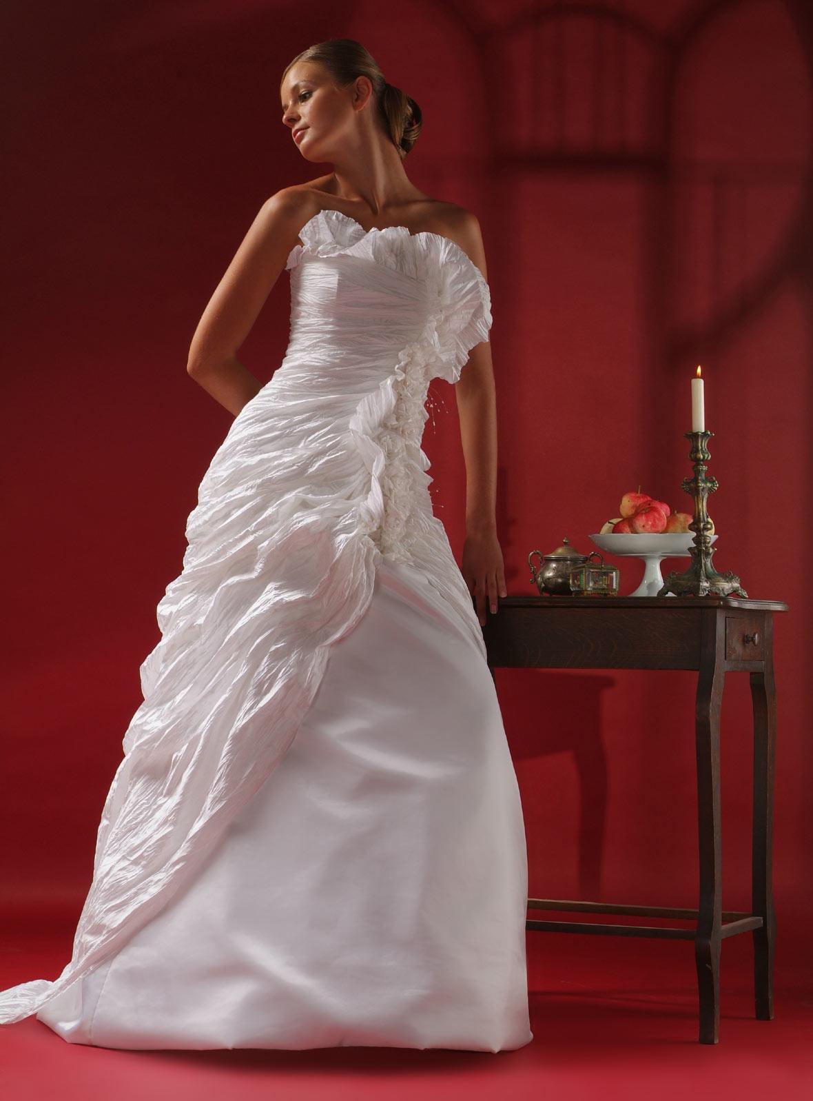 Фото невест в вечерних платьев