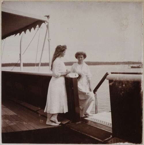 Романовы. Семейные фотоальбомы.Альбом 1 (404 фото)