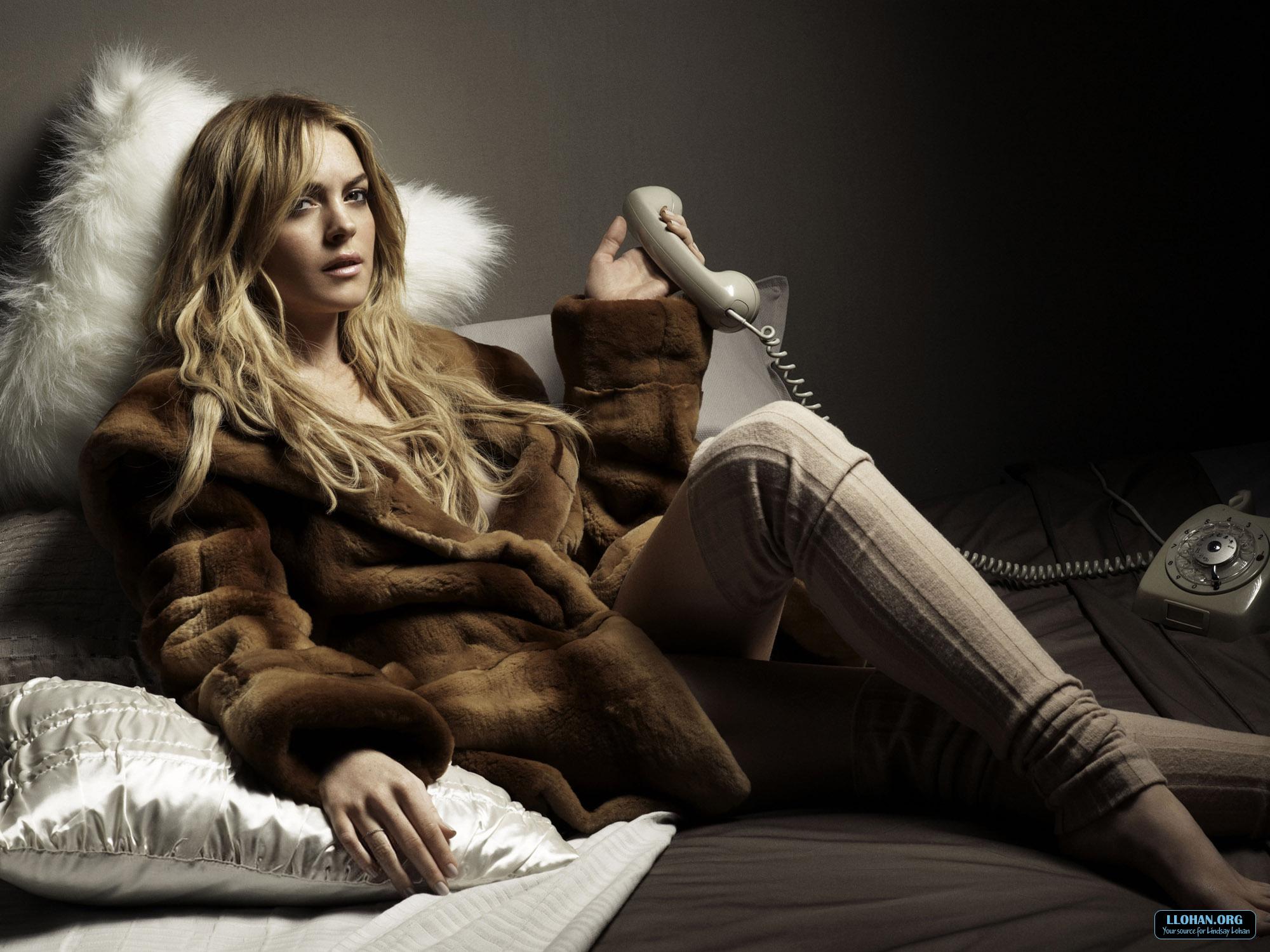 Lindsay Lohan Wallpapers 2007-2009 скачать торрент бесплатно.