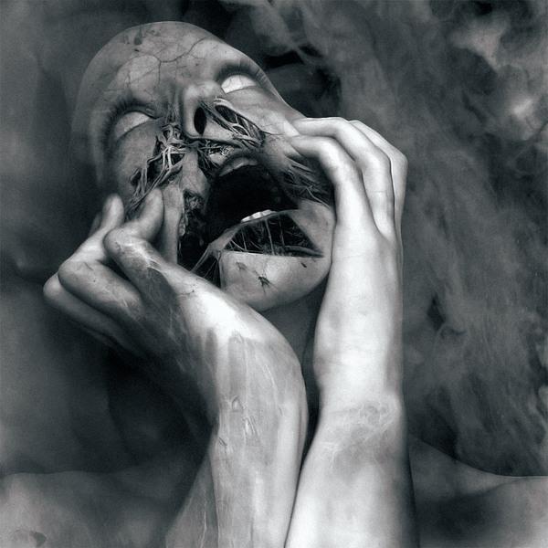 В его глазах застыла боль страх и вина что миром правит сатана