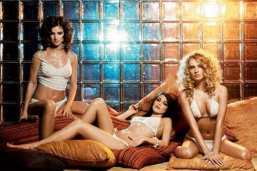 фото голая группа фабрика