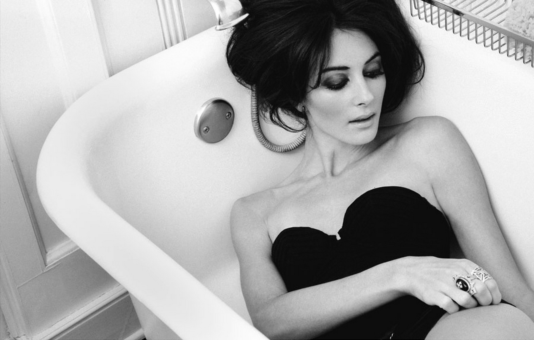Фотоальбом девушки в ванной 9 фотография