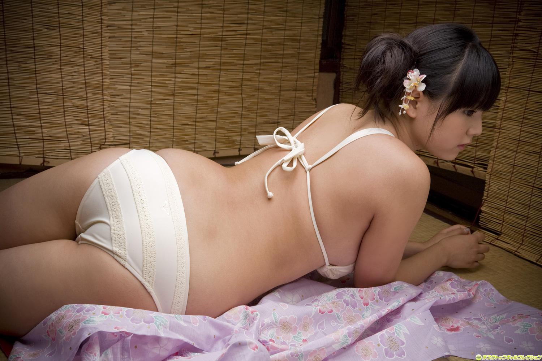Японку трахает большой член, Худая японка получит огромный член черного парня 7 фотография