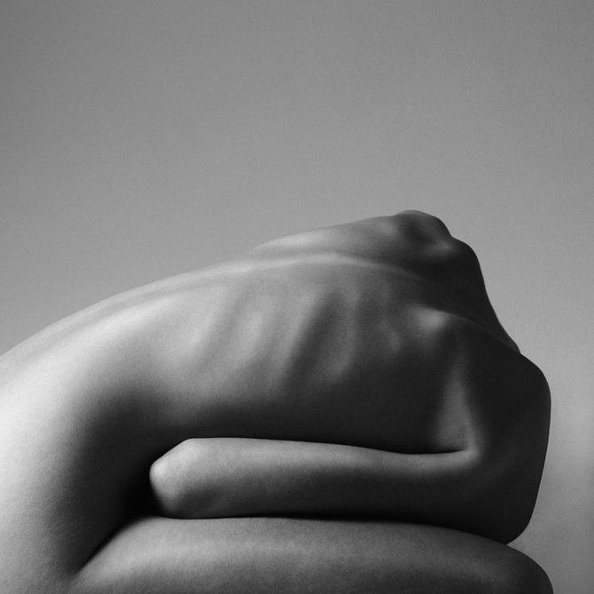 Обнаженное женское тело в фотографии Изумительно!