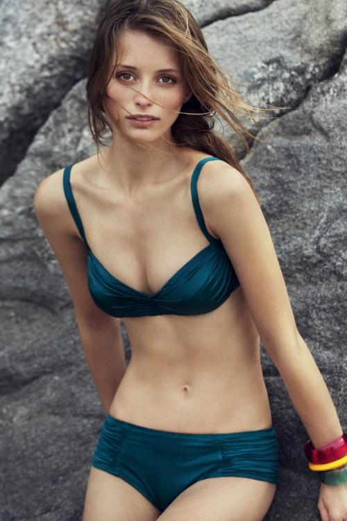 Etam Swimwear Spring/Summer 2011 Campaign (18 работ)