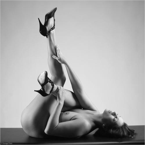 Третий выпуск эротических работ от разных мастеров (121 фото)