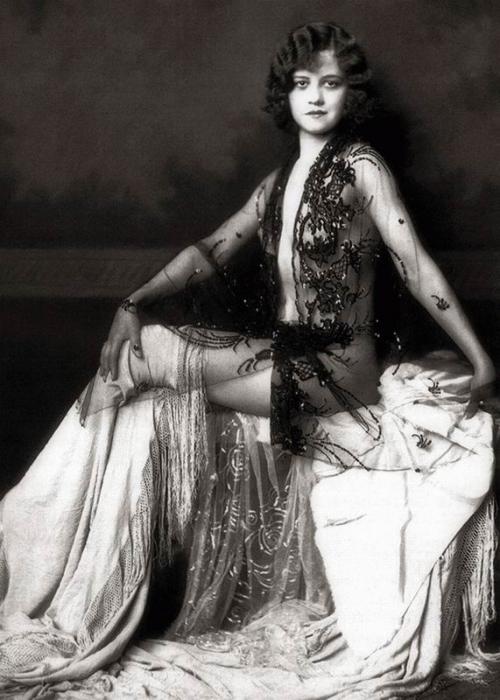 Фотографии девушек 1920-х годов (20 фото)