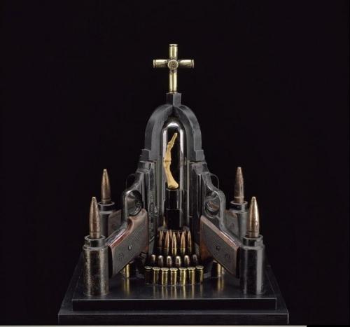 """Скульптуры из оружия и пуль (Аль Фэрроу """"Al Farrow"""") (27 работ)"""