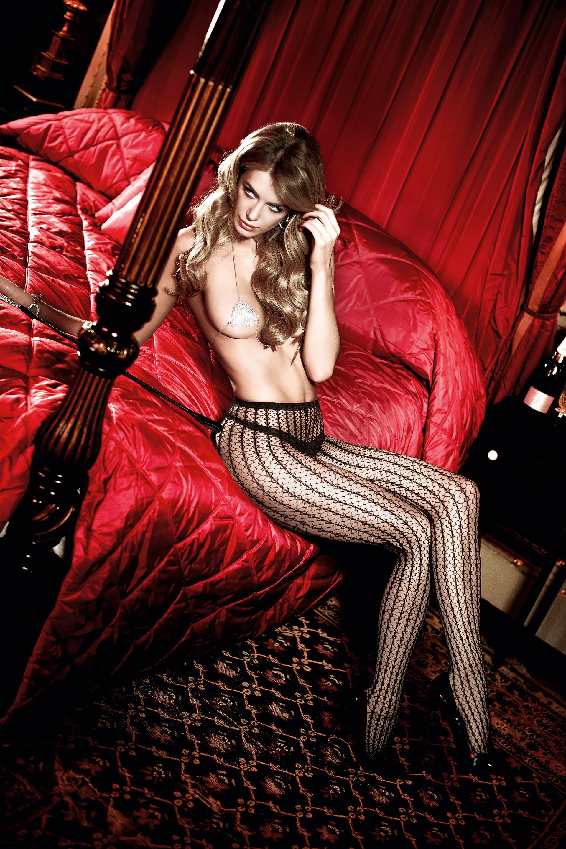 Фото девушек в колготках без нижнего белья 21 фотография
