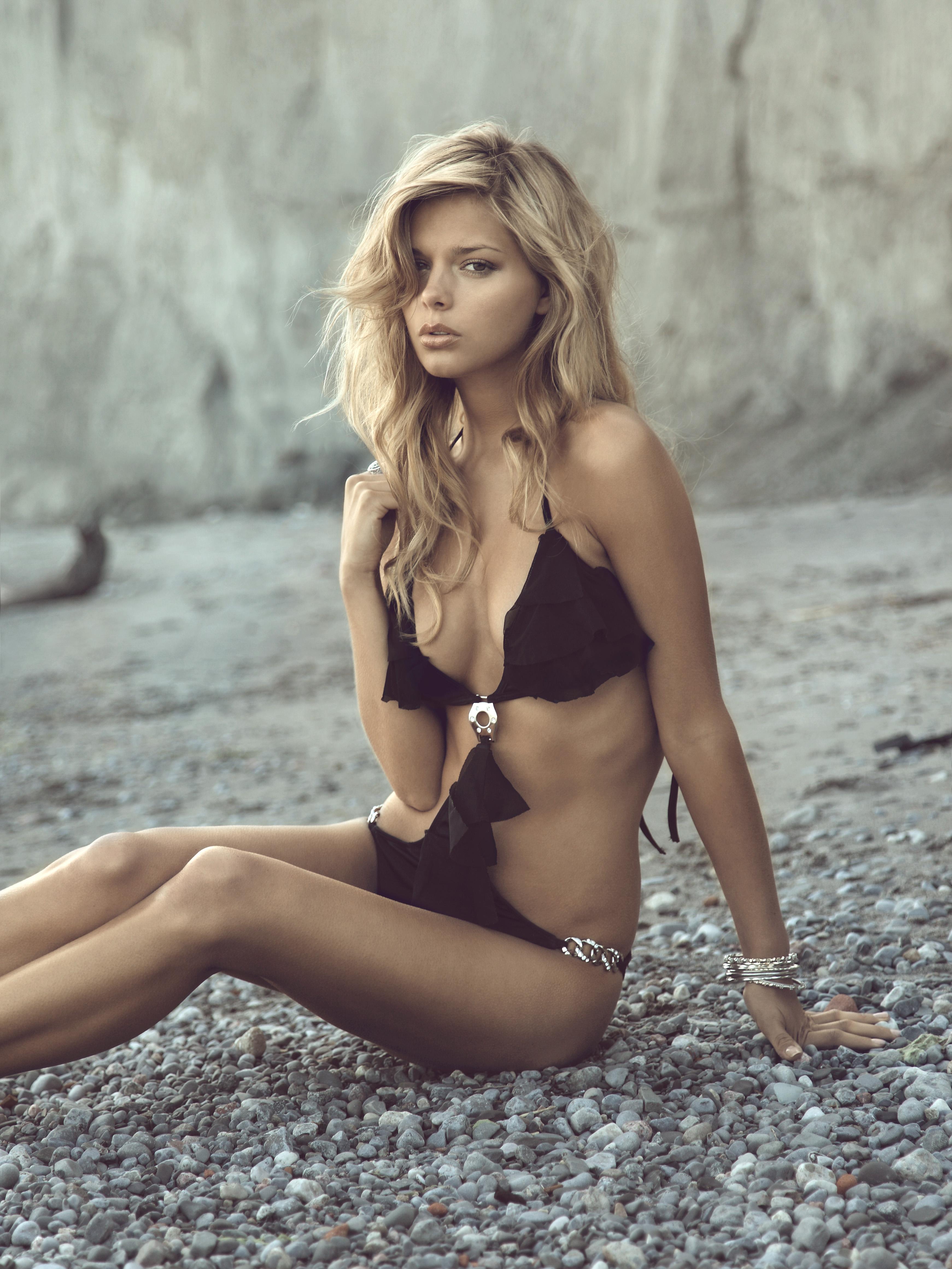 Фото девочек моделей голых 18 фотография