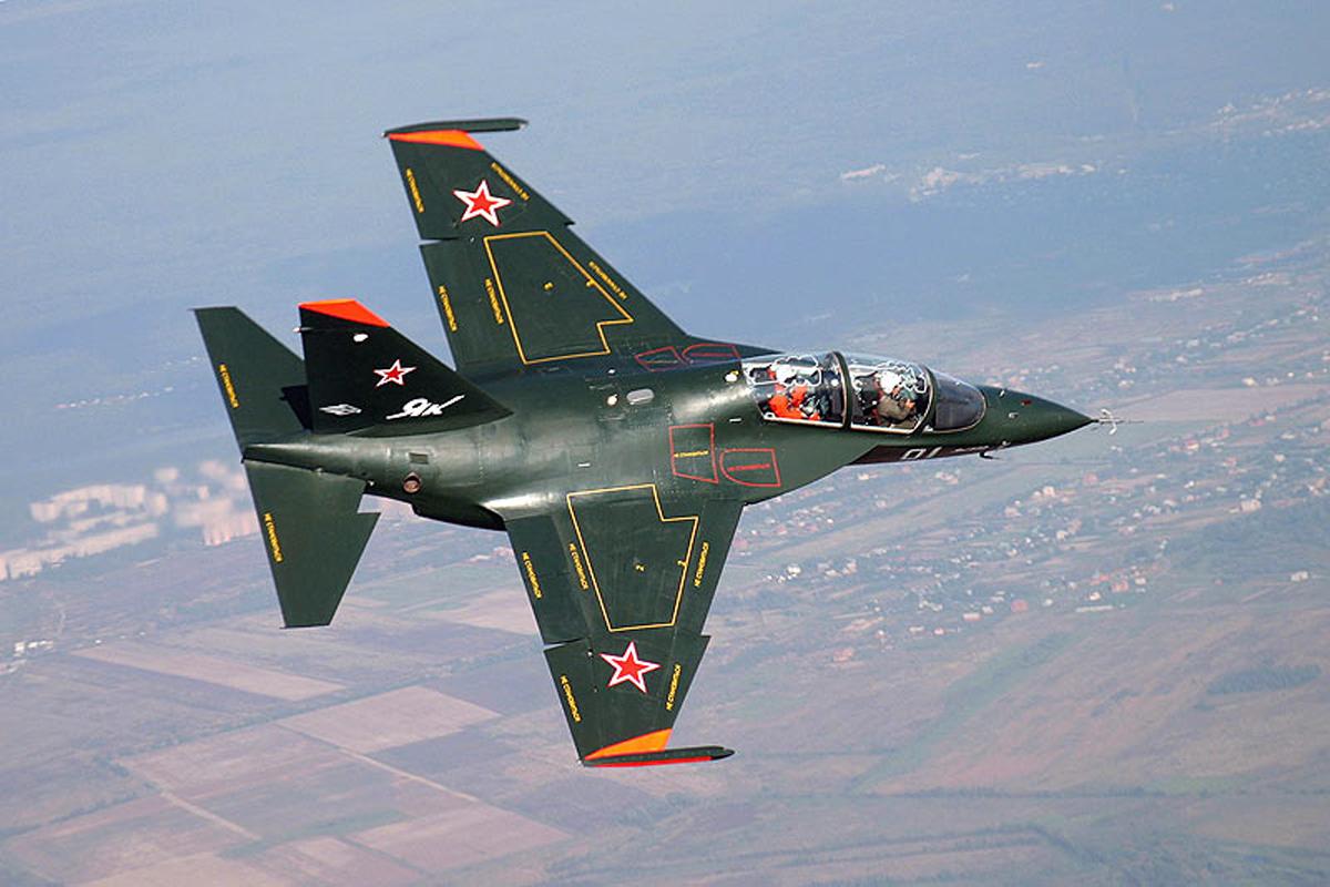 Як-130, фото Як-130, фотографии Як-130, новый самолет Як-130, ЧП в Липецке, ЧП с самолетом, новый самолет, полеты...