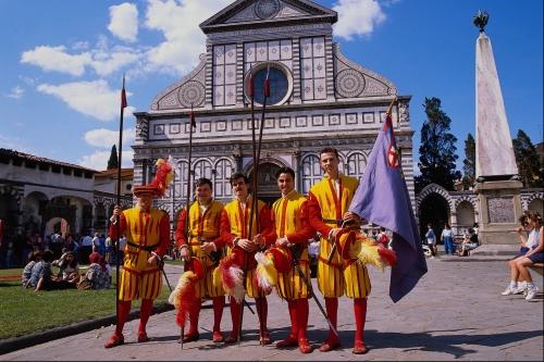 Парад в разных странах мира (14 фото)