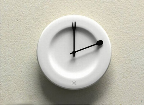 странни часовници