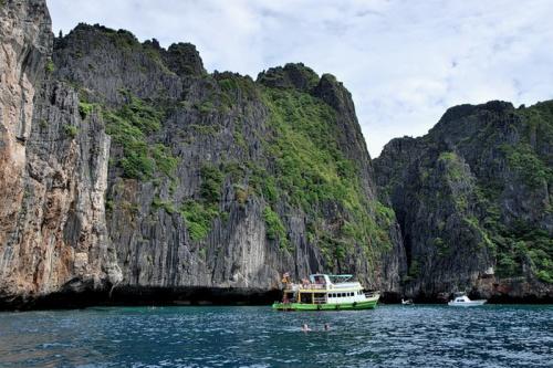 Живописные острова Пхи Пхи (29 фото)