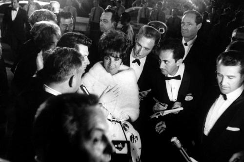 Раритетные фото награждения Оскара (25 фото)