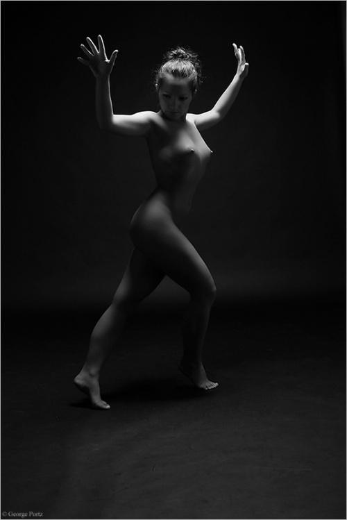 Черно-белые фотографии обнаженных девушек - Ню. George Portz (72 фото)