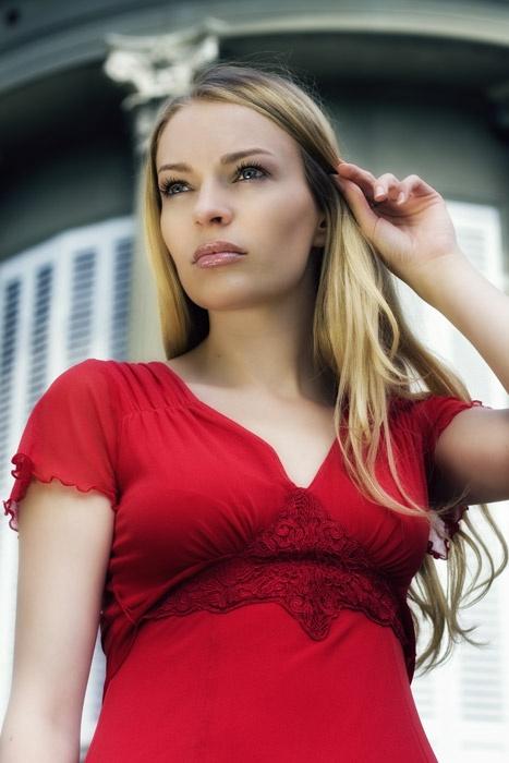 Девушки в красном (262 фото) (эротика)