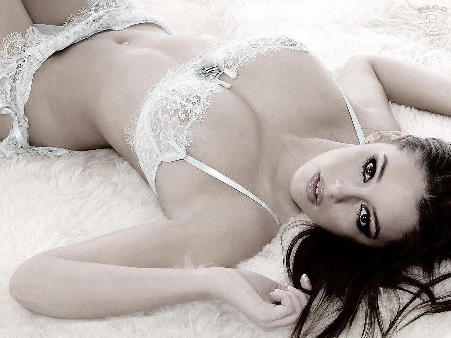 Эротика девушки белье, Голые в нижнем белье на фото - полу обнаженные 9 фотография