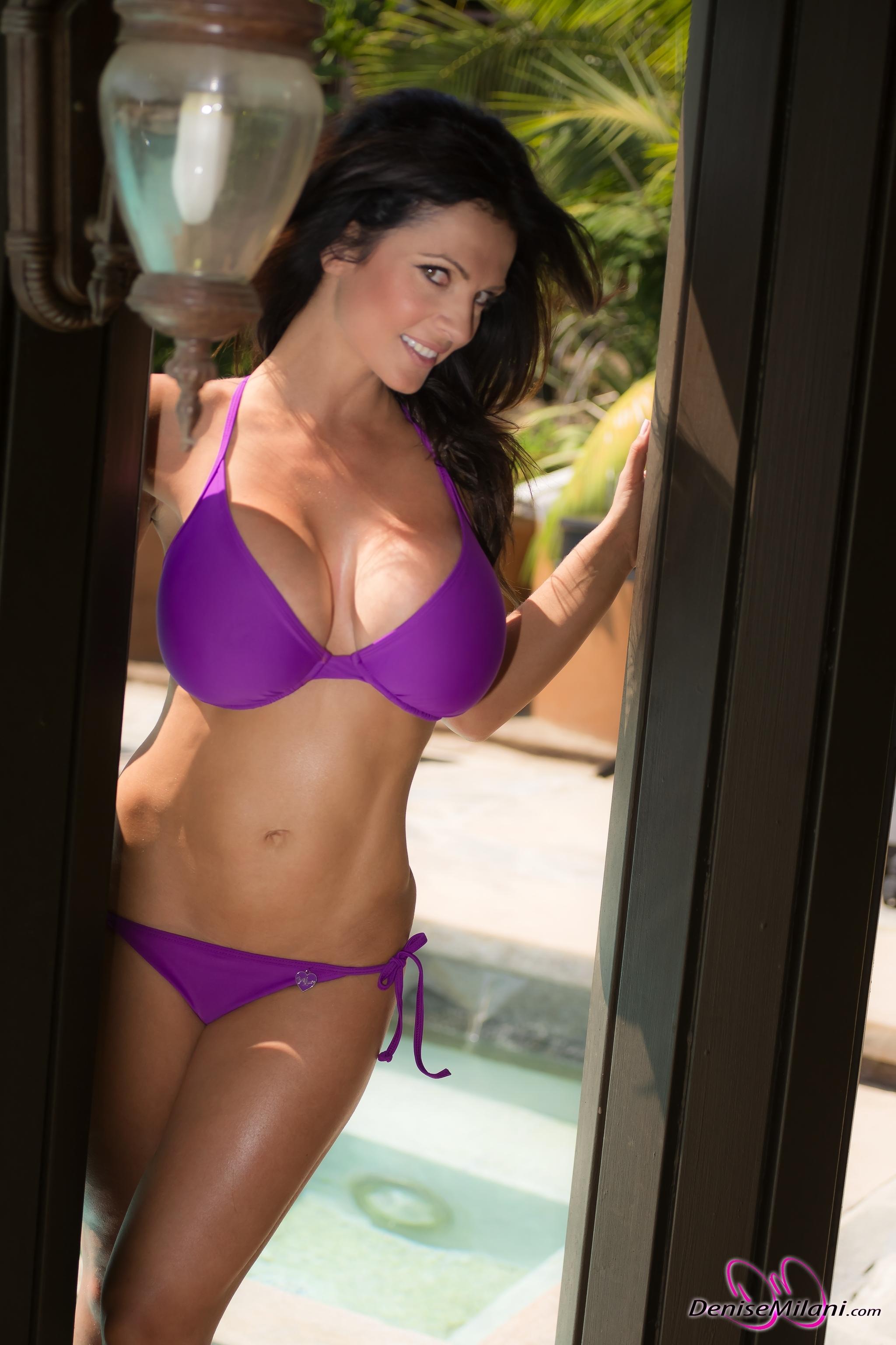Denise milani bikini fotos