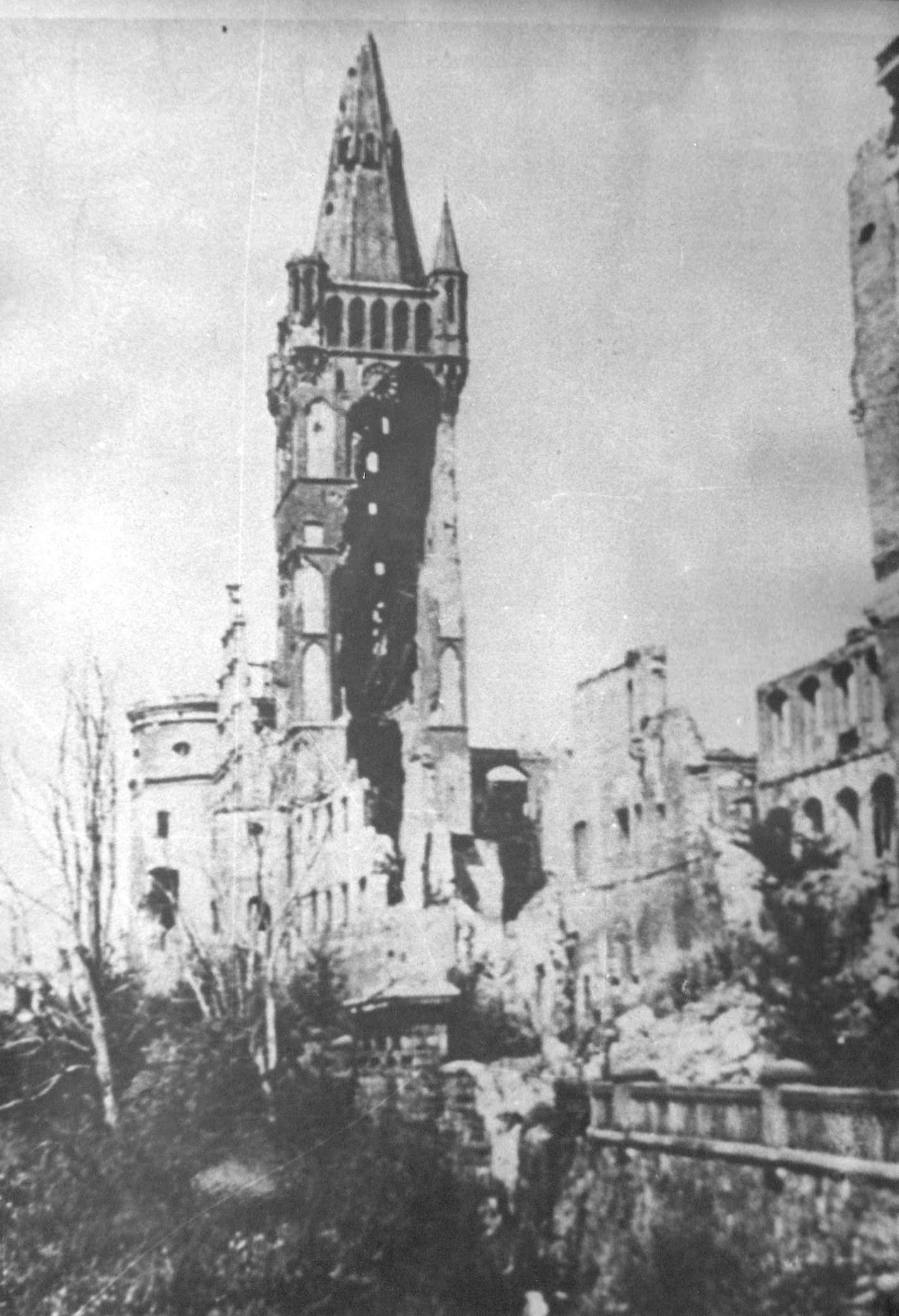 Фото послевоенный калининград королевский замок 5